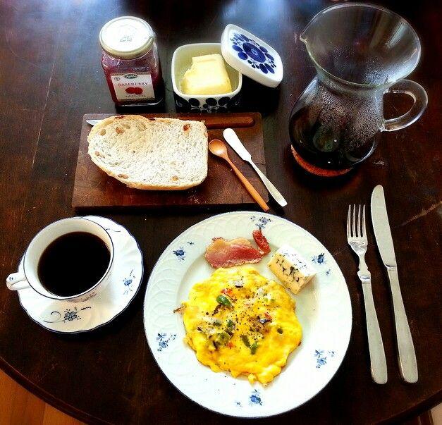 【Breakfast】晴れた日は、焼きたてパンと淹れたてのコーヒーで朝ごはん
