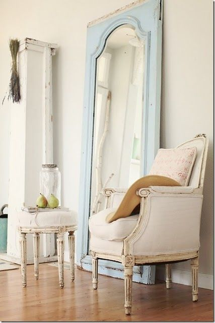 Cottage home decorating ideas large mirror leaning for Leaning wall mirror