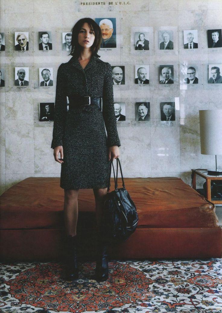 Charlotte Gainsbourg. Outfit. Coat dress. Minus big bag. Diff shoes?