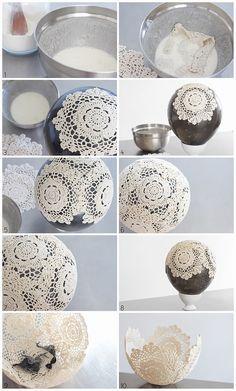 旅行をテーマにした結婚式や誕生日パーティーの手作りデコレーションにぴったりなクロシェットレースのドイリーを使った気球の作り方                                                                                                                                                                                 もっと見る