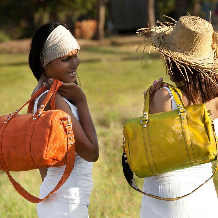 WIRE (Handbag)
