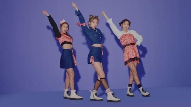 TWICE-2- #한국#음악#좋아#최고 #korea#music#new#song #twice#jyp#girl #nayeon#jihyo#jungyeon #chaeyoung#dahyun #tzuyu#sana#mina#momo #love#pink#chu #happy#smile #good#instagood #like#instalike #l4l
