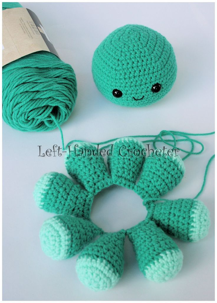 I have been making a frenzy of octopuses…..octopuses? Is that the plural of octopus? I always call them octopi. This is a fun pattern that I worked up, and can be done with virtually any yar