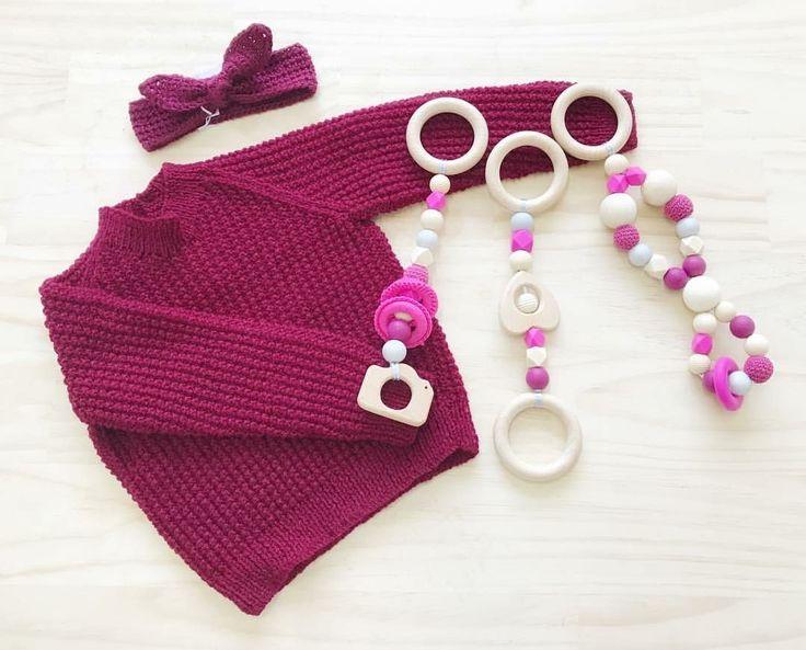 Crochet baby Headband available on Etsy! Full set available at @thehandmademarketplace (Instagram) 💕