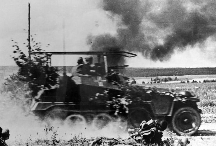 Sdkfz 250/3 in action