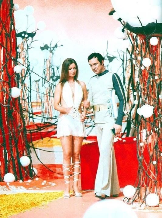 Space 1999: The Guardian of Piri The servant of the ...
