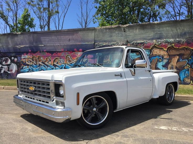 """Is This 1976 Chevy Silverado C10 Stepside Truck Owned By Vinny Sack Too Low Or Just Right?  """"All original bucket seat truck with 66,000 miles, 330 HP JEGS small block Chevy crate motor, 5""""/7"""" drop kit, 883 Boss wheels with 18""""/20""""  staggered combo""""  #trucktuesday #headturnertuesday #toolowtuesday"""