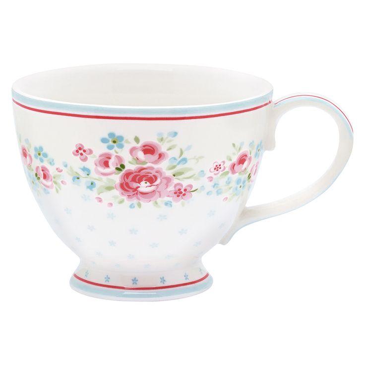 Eine Henkeltasse zum Träumen, die sich nicht nur für Tee, sondern ebenso für den geliebten Kaffee am Morgen eignet. Das schöne, filigrane Blumenmuster der neuen Serie Tess hat es uns total angetan und wir freuen uns auf gemütliche Stunden mit der Teetasse Tess. #greengate #spring #summer #home #living