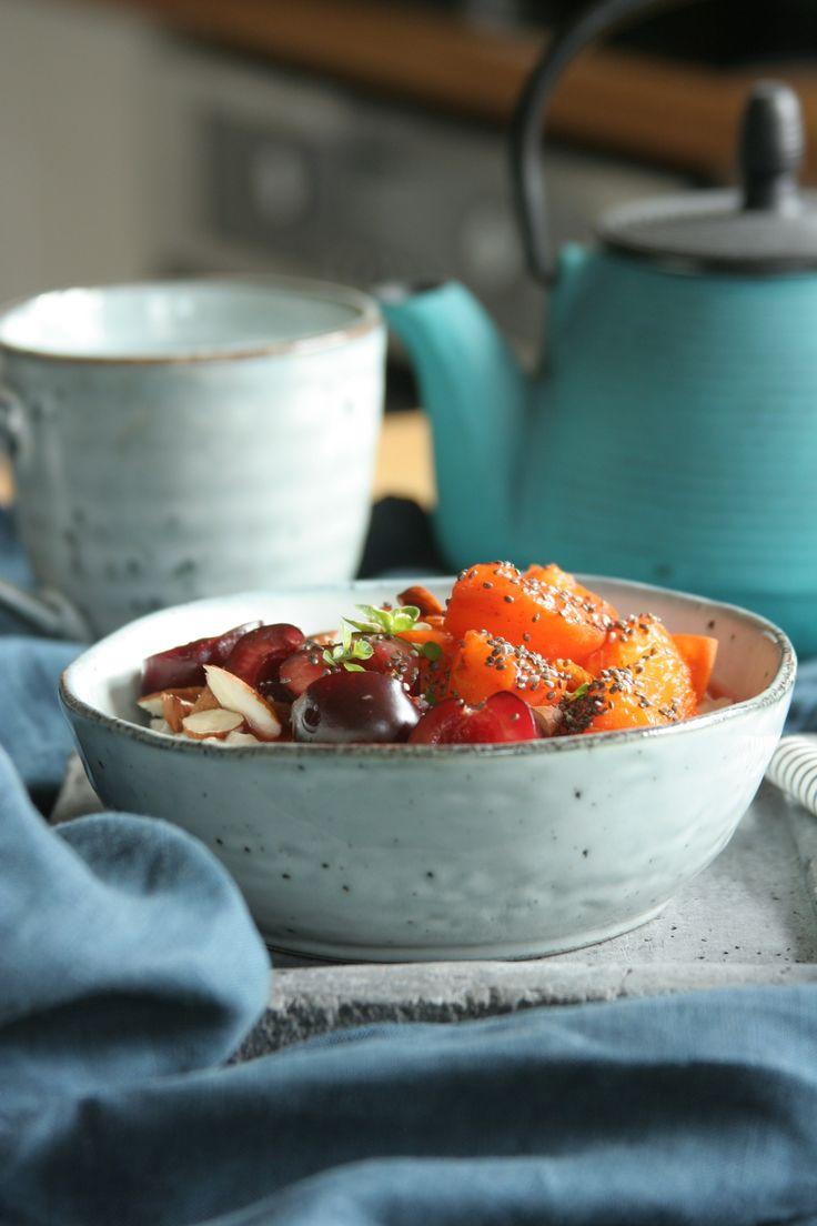 Jogurtová kaše se svařenými meruňkami a tymiánem