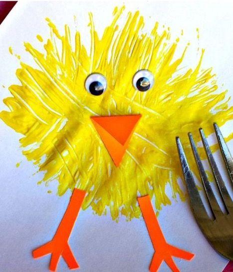 Paaskuiken met een vork