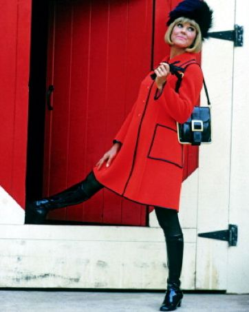 Doris Day. I want ALL of this, especially the bag and coat.