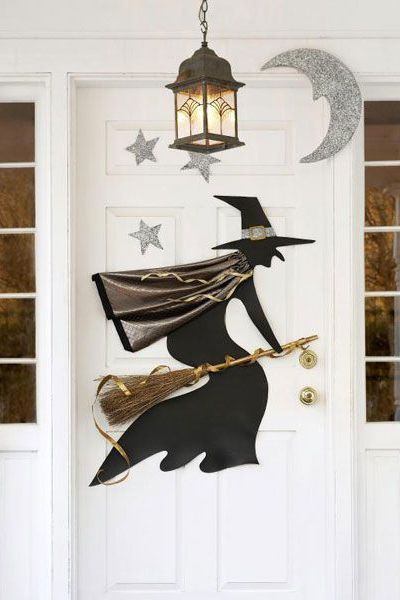 18 A-Door-Able Halloween Door Decorations You Can DIY Halloween - pinterest halloween door decor