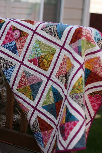 Follow flickr links to Urban Lattice quilt-along for the pattern.