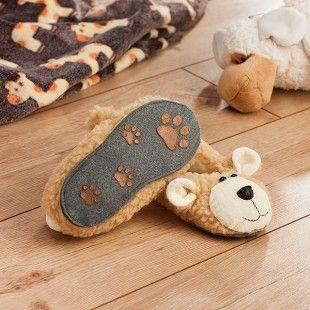 Heute nähen wir etwas total knuffiges im Blog: süße Puschen für Kinder in Bärenform. Hier geht es zur Anleitung für die Teddy-Hausschuhe: http://blog.buttinette.com/naehen/naehanleitung-teddy-hausschuhe-fuer-kinder
