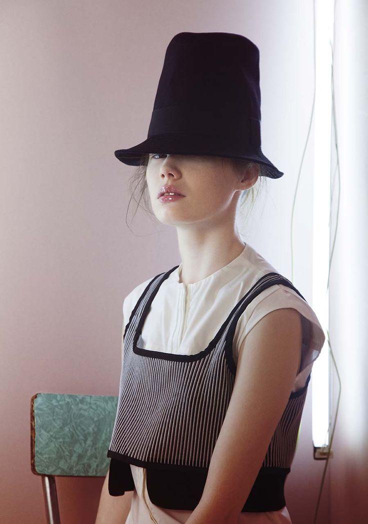 Lightness | Ph. Piero Cappelli | Fashion Editor MariaGrazia Pase | Model Ksenia Nikulina@elitemodel | Mishmash Fashion Magazine 2015