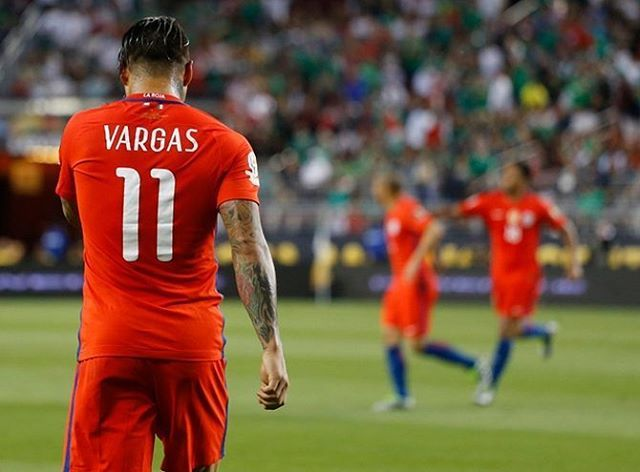"""Eduardo Vargas es un coloso: """"Feliz por el triunfo, se lo dedico a mi mamá"""""""