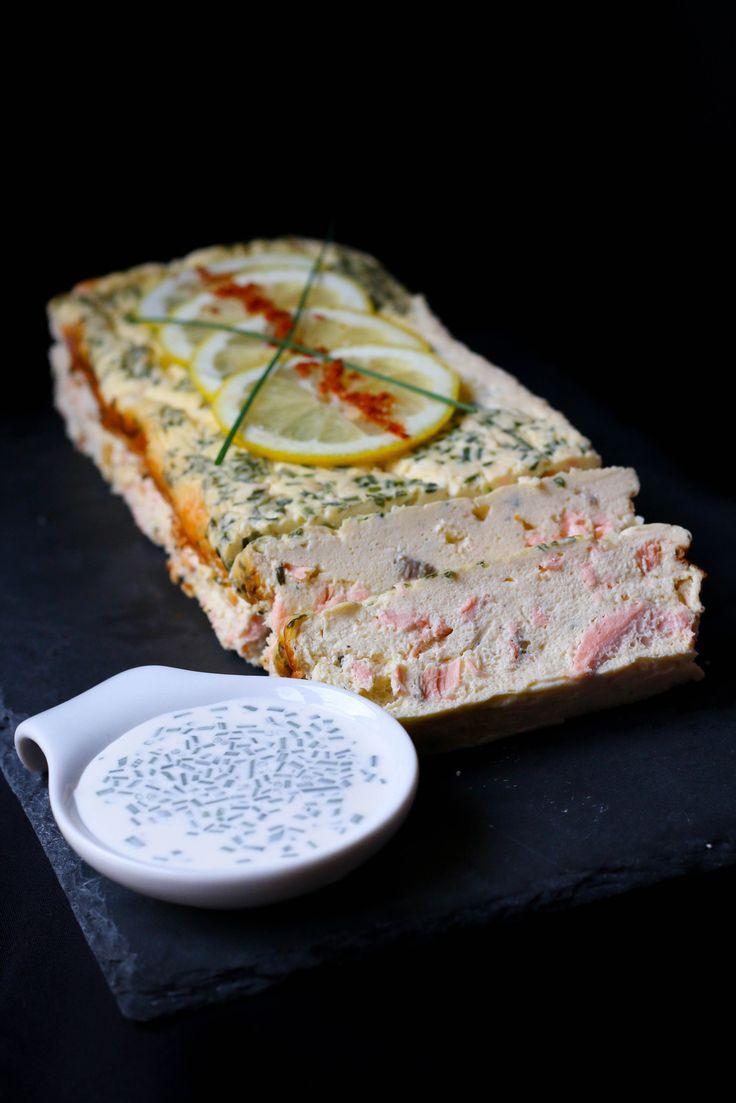 Terrine de saumon, sauce citronnée