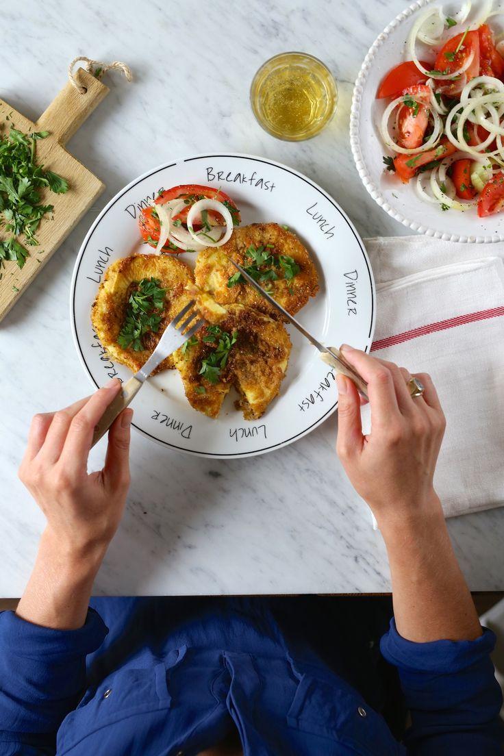W przypadku cyklu przepisów poświęconych dla studentów– będzie krótko i treściwie. Garam Masala to jedna z moich ulubionych mieszanek przypraw, które można dodać praktycznie do wszystkiego – do pieczonych warzyw z patelni, ryżu, ryb lub mięsa. To połączenie mielonej kolendry, chili, kuminu, curry, kopru włoskiego, pieprzu czarnego i kardamonu. Wystarczy szczypta, a nawet najzwyklejsza cukinia …