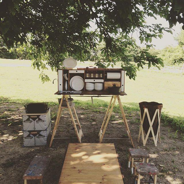 コツコツ、何度も失敗して、お手軽アウトドア用アイランドキッチン完成(^◇^)にっこり。 自作は楽しいねー 今回は散らかさないぞぉ〜 #キャンプ#自作#キャンプだホイ#fbidaisen#キャンプ道具#シンプル#キャンプバカ部#キッチン#シンプルなキャンプ