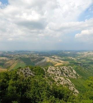 Alla scoperta del Parco della Vena del Gesso Romagnola, una dorsale montuosa tra le provincie di Bologna e Ravenna