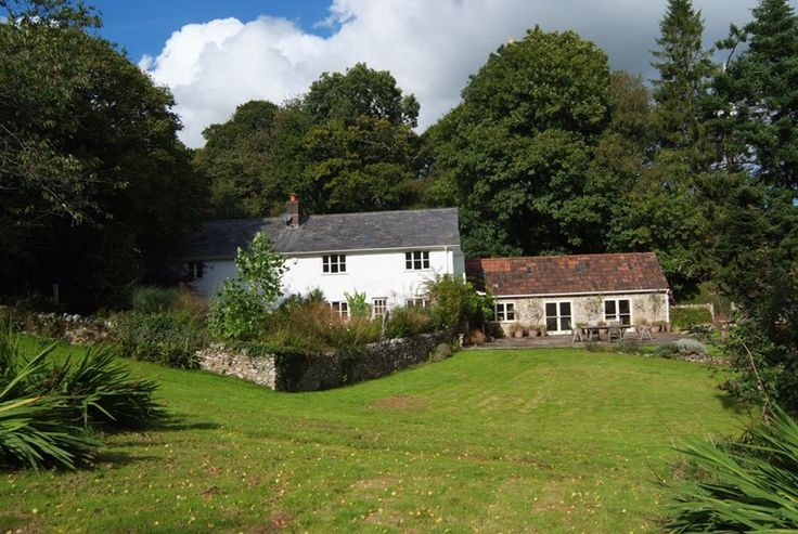 Just joined the portfolio, Hussey's Farm is a wonderful traditional farmhouse, set in the tranquil Devon countryside. Surrounded by private gardens and its own land, this is an excellent family choice, with a games-room, boules area and a trampoline, as well as a wooden tree house with a long zip wire for children. Hussey's Farm is great fun– ideal for two families sharing a holiday, or a group of friends wanting somewhere a bit special.  #Holiday #Cottage #Devon #Honiton #Farmhouse #Retreat