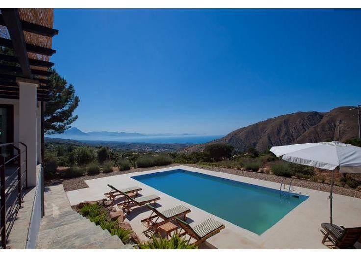 Casa Victoria Sleeps 8 Cefalu, Sicily holiday rental