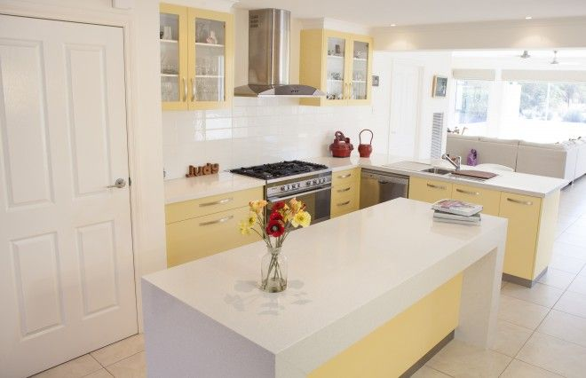 Realm Building Design Echuca - Murray Drive - yellow - kitchen -