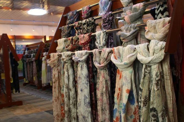 scarf display