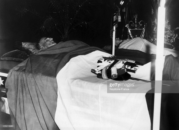 The Mortal Remains Of King Alexander 1St Of Yugoslavia And French Foreign Affairs Minister Louis Barthou (Background) Lie Side By Side In The Chapel At Marseille'S Prefecture On October 9, 1934. Both Were Assassinated In A Street Of Marseille By An Oustachi Terrorist Of Croat Origin, Petrus Kalemen.