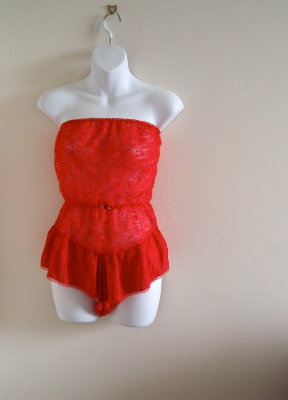 Vintage Red Strapless 80s Nightie- Lace, Glam Rock, Medium, Rose, lingerie