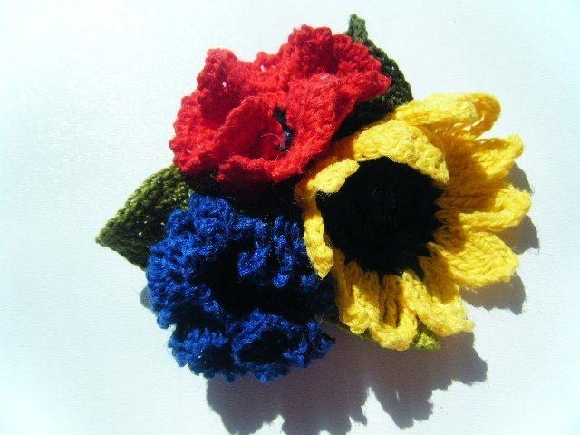 polne kwiaty w broszce