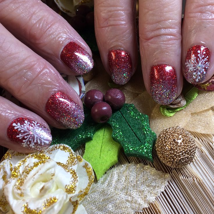 What an improvement, just in time for Christmas. Using Hand & Nail Harmony #polygel to create short beautiful nail extensions from NailHarmonyUK/Gelish with The Nail Space glitter fade. And of course this years favourite art design #snowflakes