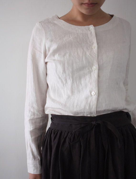 Sometimes a complete lack of details IS the detail. [Envelope Online Shop] Asia Lisette tops
