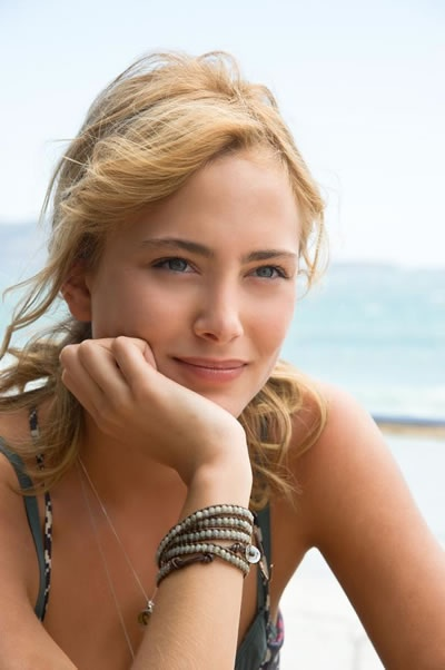 Nora Arnezeder. I guess this is what Aphrodite would look like if she were French instead of Greek. =)