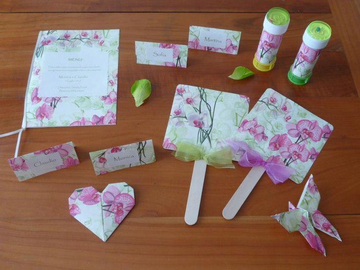 Portamenù, ventagli, segnaposti, cuore e farfalla origami, bolle di sapone rivestite. Tutto in carta Orchidea