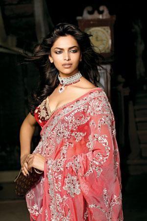 Deepika Padukone showing big boobs