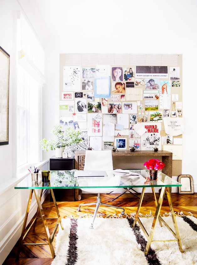 Expert Advice You Need to Know When Buying Furniture Online// trestle desk, inspiration board