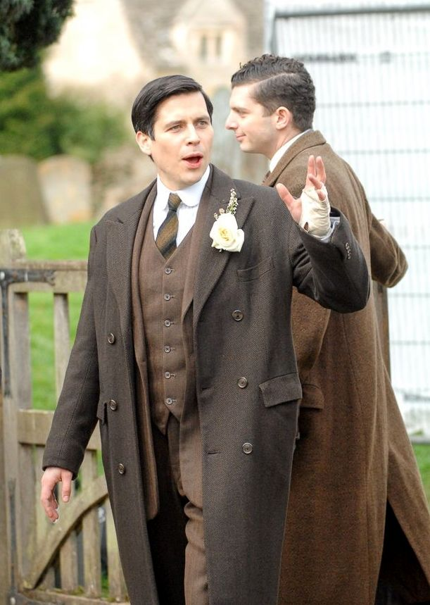 downton abbey series 6!!! PARKBARROW!! THOMAS BETTER GET A HAPPY ENDING OTHERWISE I WILL HAVE TO KILL JULIAN FELLOWES