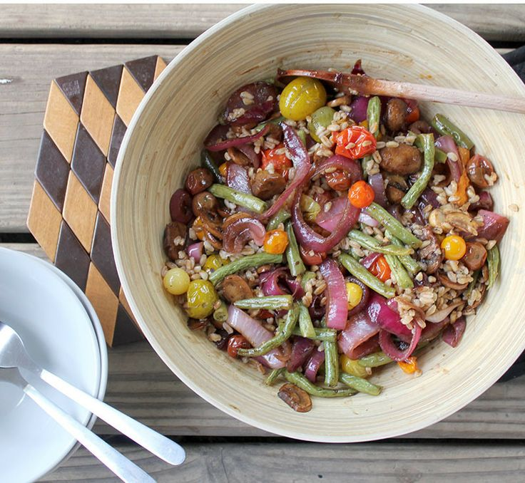 Farro Salad with Roasted Vegetables and Caramelized Onions. Could use ...