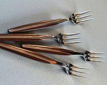 NOS Danish Modern Seafood Forks Cocktail Forks Oyster Set of 4 Eldan ELD2 BROWN Japan Stainless Steel Teak Look Flatware Midcentury Modern