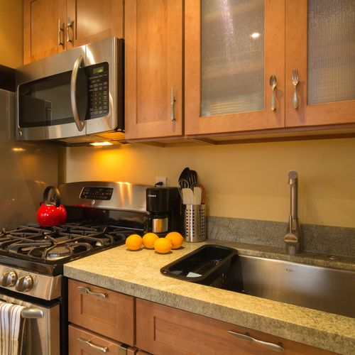 Cottage Kitchen Sinks: 25+ Best Susan's Cottage: Studio With Upstairs Loft In The
