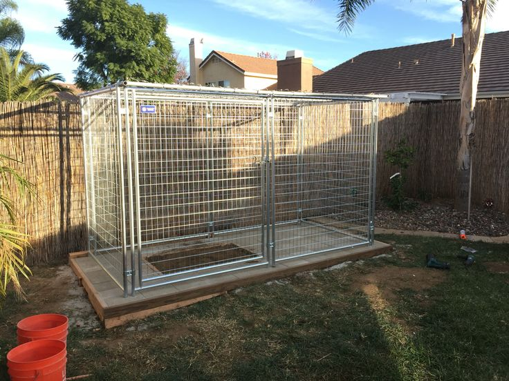 Once the pad was built we put the kennel together. I