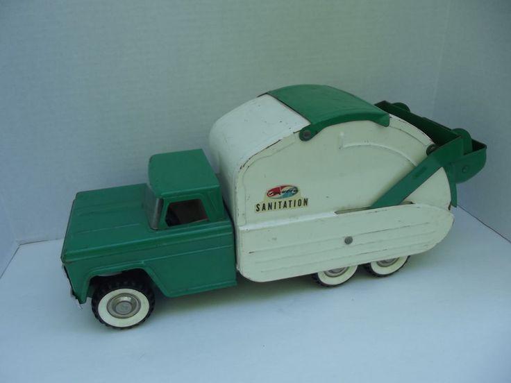 Vintage Garbage Truck 32