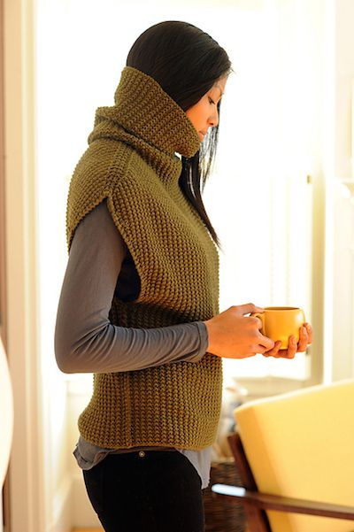 Oversized Modern Turtleneck - Love this pattern as a layering piece! Hecho con punto de arroz