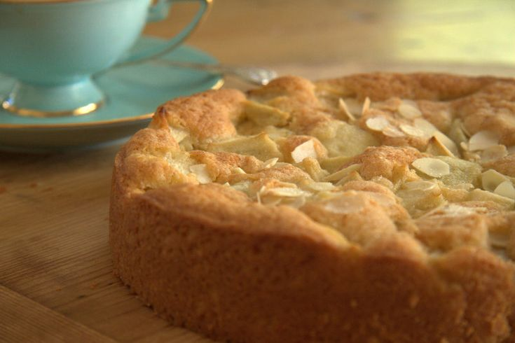 This is a foolproof, simple tea cake, perfect for those more skilled in the garden than in the kitchen...