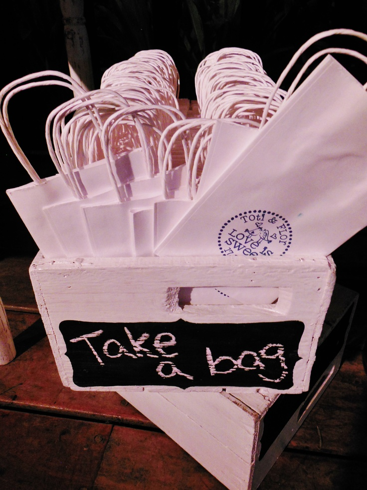 Bolsitas para que los invitados agarren golosinas!!! - Vintage Table - Süss pstelería