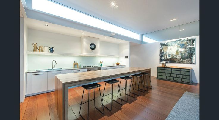 Property data for 31 Holyrood Street, Hampton, Vic 3188. View sold price history for this house and research neighbouring property values in Hampton, Vic 3188