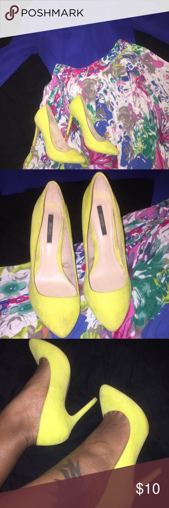 Forever 21 Neon Yellow Pumps Size 6.5 Springtime is here! Step out in these beautiful neon yellow pumps. Perfect for a pop of color with jeans and a white v-neck, or even to pair with a colorful skirt. Minor marks on toe and side of shoe that was there when I purchased them (but they were the last pair so I had to have them) other than that only sign of wear is on bottom sole and a small black mark on bottom left heel. Only worn 3 times, just collecting dust in my closet. In need of a loving…