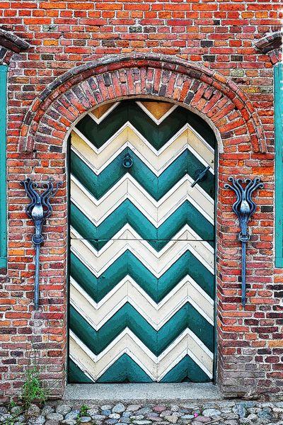 'Tür und Tor auf Friesisch' von Dirk h. Wendt bei artflakes.com als Poster oder Kunstdruck $18.03