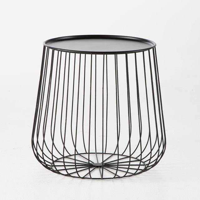Bout de canapé fil métal, Cage AM.PM : prix, avis & notation, livraison. Le bout de canapé ou la table d'appoint Cage. Une ligne aérienne et épurée pour une touche poétique et contemporaine qui n'a pas trop d'emprise sur la déco. À assortir à la table basse Cage vendue sur le site. Caractéristiques : - En fil de métal noir- Plateau en métal amovible.Dimensions : - Ø42,5 x H40 cm- Plateau Ø33,5 cm